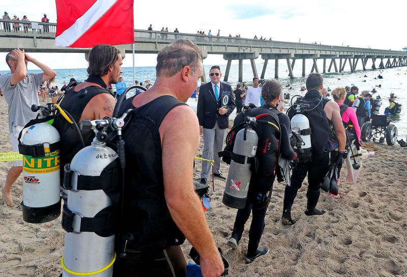 Record 633 divers pick up a ton of trash from ocean floor in Florida